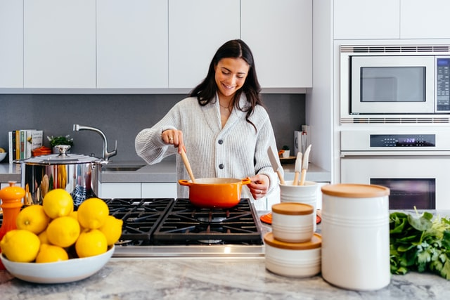 6 Ways to make your kitchen look and feel bigger