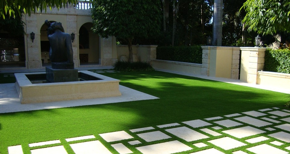 Buying an Indoor Artificial Grass For Lawn