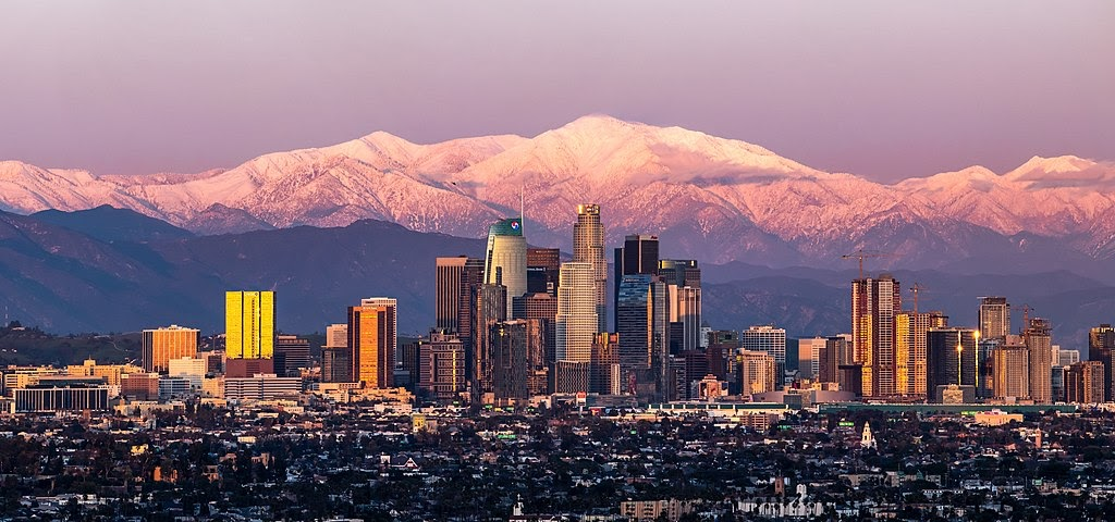 Los_Angeles_with_Mount_Baldy